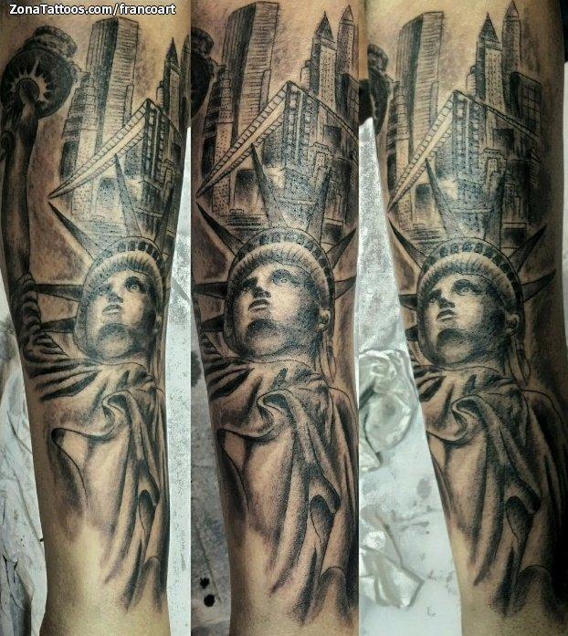 Tatuaje De Estatua De La Libertad Edificios
