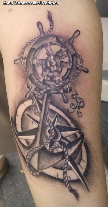 Tatuaje De Anclas Timones Rosa De Los Vientos