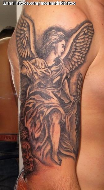 Tatuaje De Angeles Religiosos Brazo