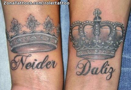 Tatuaje De Coronas Letras Nombres