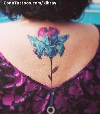 Tatuaje De Flores Acuarela Espalda