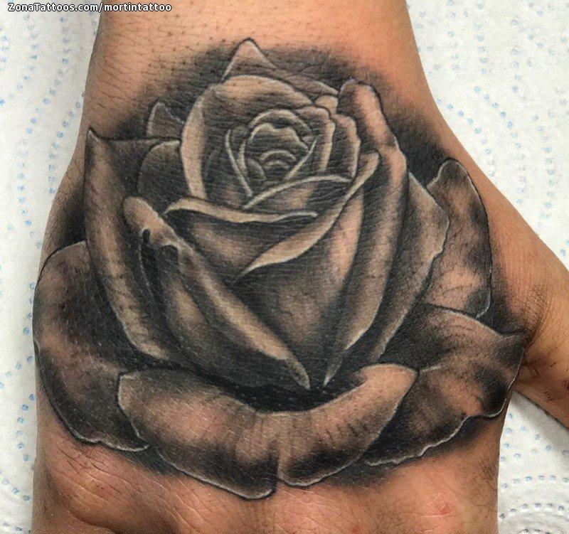 Tatuaje De Rosas Mano Flores