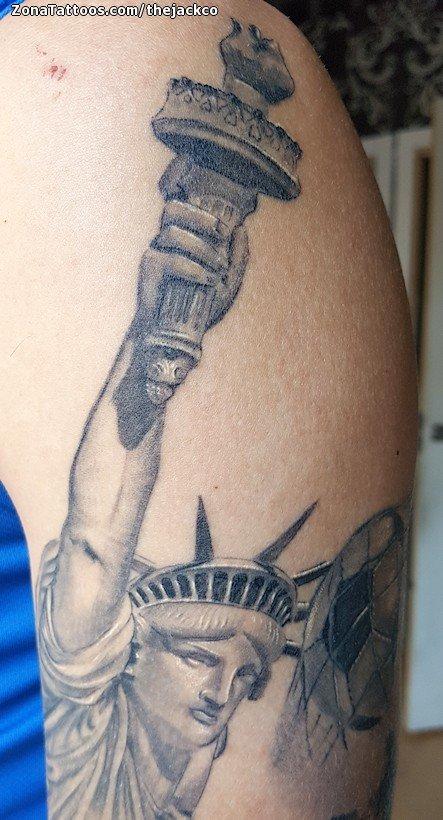 Tatuaje De Estatua De La Libertad Monumentos