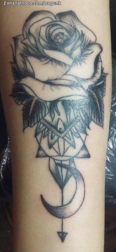 Tatuaje De Rosas Flores Lunas