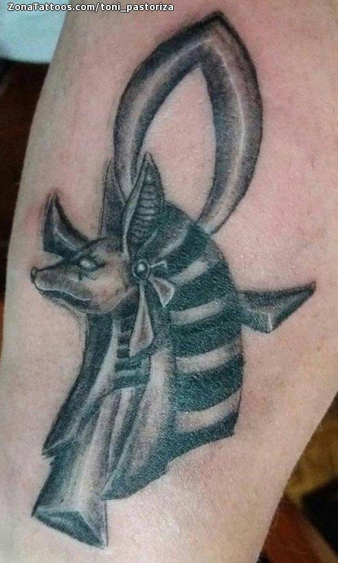 Tatuaje De Anubis Ojo De Horus Egipcios