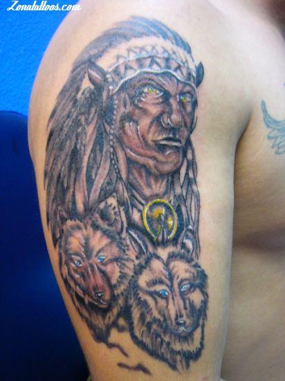 Tatuaje De Lobos Indios