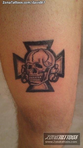 Tatuaje De Calaveras Góticos