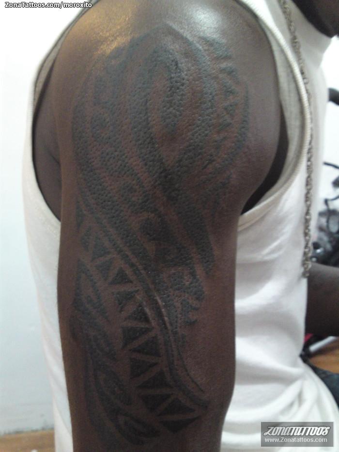 tatuajes fecha piel oscura