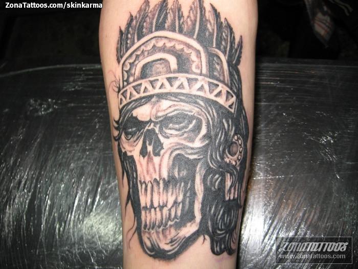 Tatuaje de skinkarma - Calaveras Aztecas