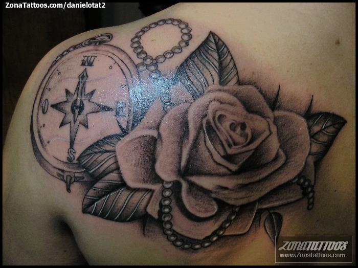 Tatuaje de DanielOTat2 - Rosas Flores Brújulas