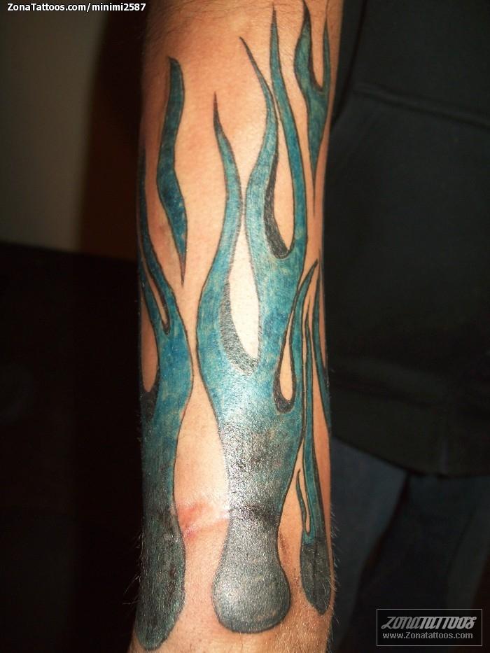 tatuaje de llamas fuegos