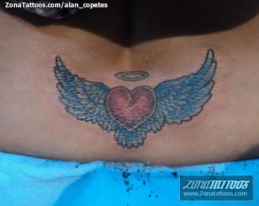 Tatuaje De Corazones Alas