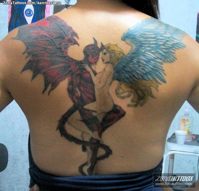 Tatuaje De Espalda Demonios ángeles