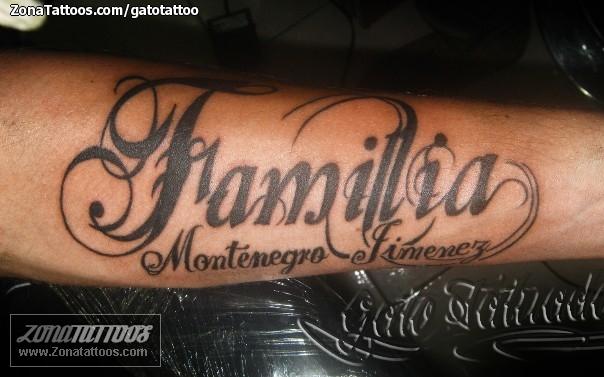 Tatuaje De Letras Familia
