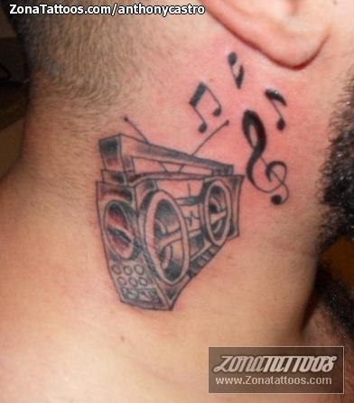 Tatuaje De Radios Notas Musicales Música