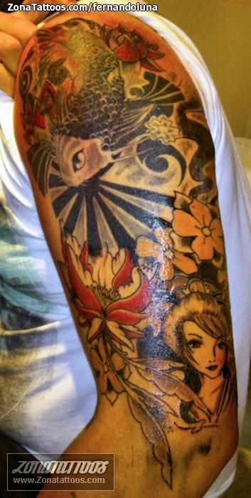 Tatuaje De Geishas Peces Brazo