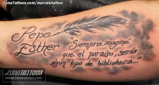 Tatuaje De Plumas Brazo Nombres