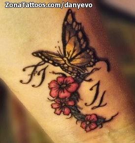 Tatuaje De Mariposas Muneca Flores
