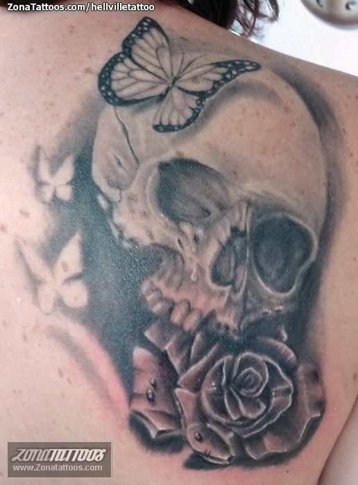 Tatuaje De Calaveras Rosas Mariposas