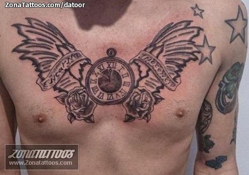 Tatuaje De Relojes Alas Pecho