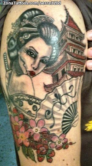 Tatuaje De Geishas Pagodas Abanicos