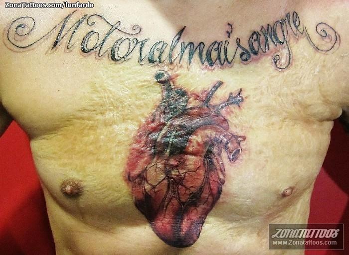 Tatuaje De Corazones Pecho