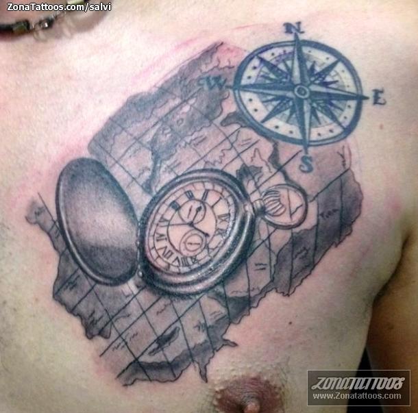 Tatuaje De Mapas Relojes Pecho