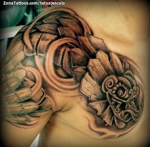Tatuaje De Quetzalcóatl Aztecas Hombro