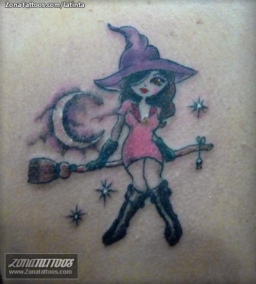 foto tatuaje bruja: