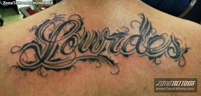 Tatuaje De Nombres Espalda Letras