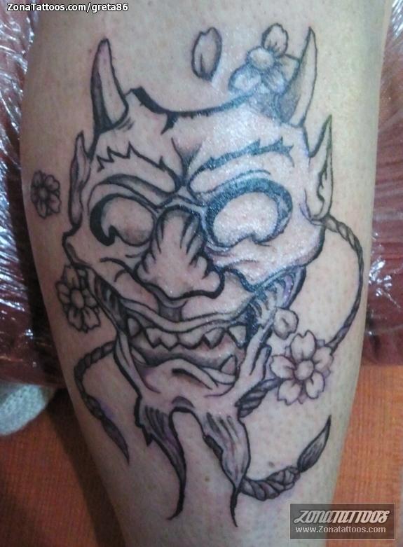 Tatuaje De Máscaras Orientales
