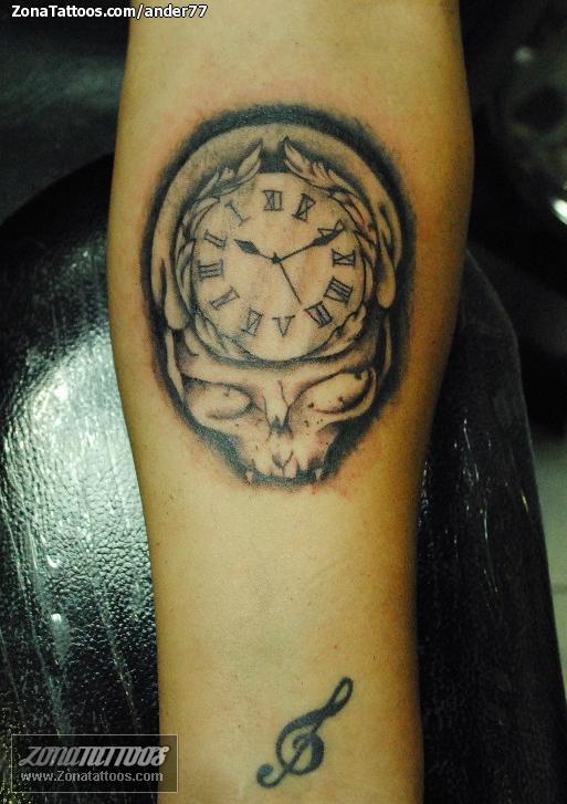 Tatuaje De Relojes Calaveras