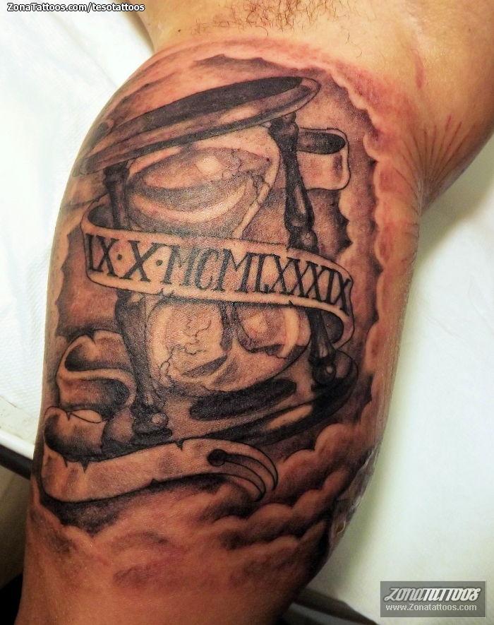 Tatuaje De Relojes De Arena Números Romanos Nubes